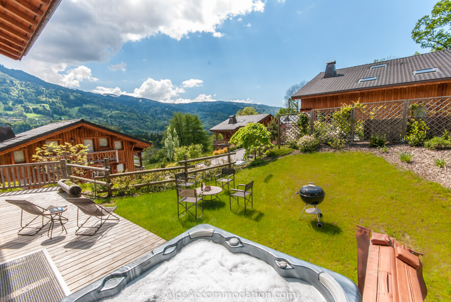 Apartment Biollet Samoens Garden Summer