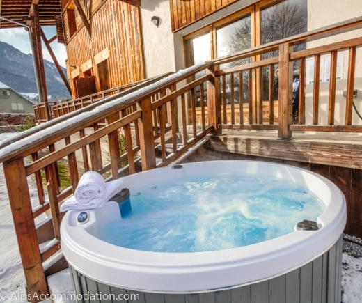 Apartment Bois de Lune 3 Samoens Soothe tired muscles in the private hot tub