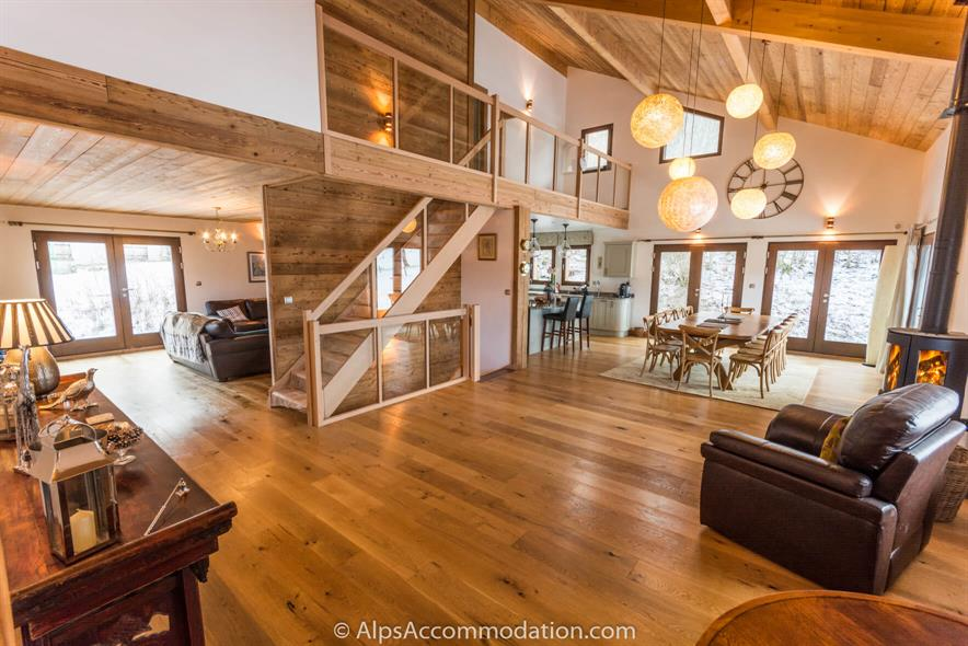 Chalet Gentian Samoens Double height ceilings and a wonderfully spacious open plan layout
