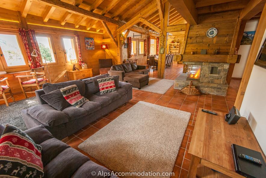 la grange samoens chalet de haute qualit proximit des remont es m caniques du grand massif. Black Bedroom Furniture Sets. Home Design Ideas