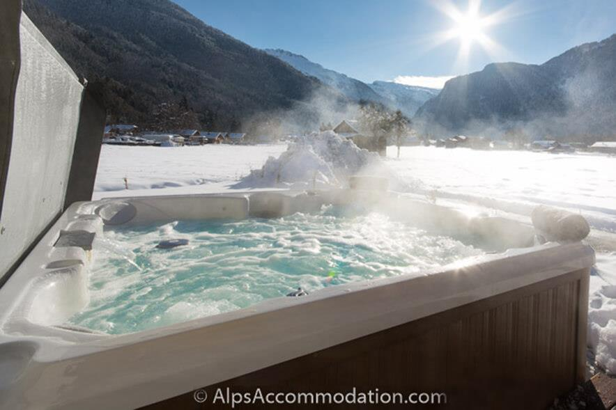 No.1 Chalet L'Orlaya Samoens Relax in a steamy hot tub with wonderful Alpine views