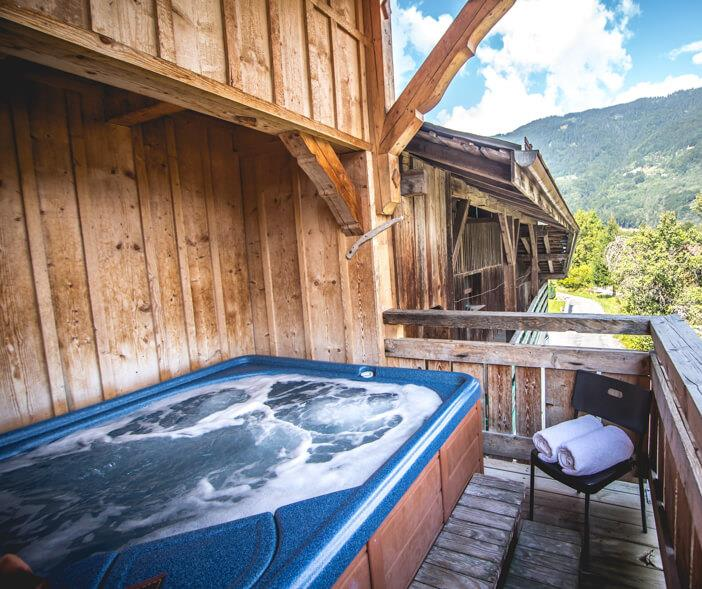 Chalet Pomet Morillon Relax in the hot tub after a day in the mountains