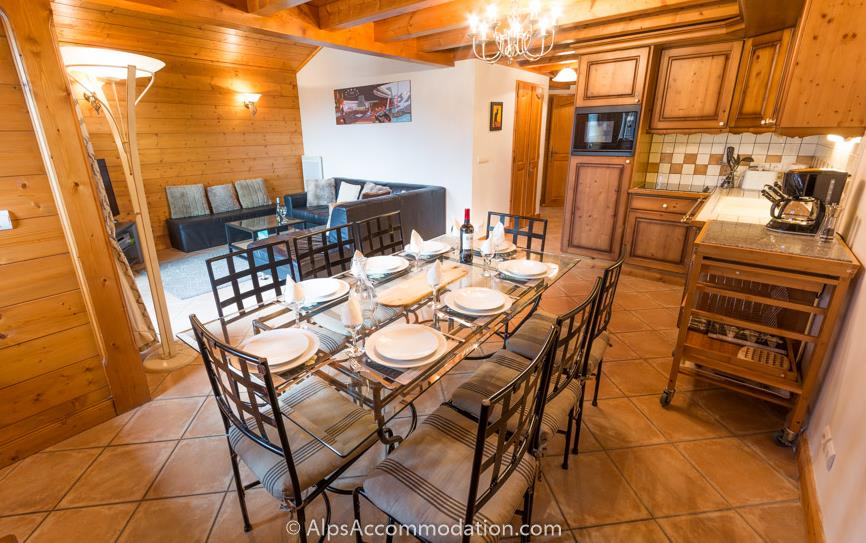 Villa Monette A20 Samoens Spacious open plan living and dining area