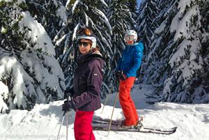 Family skiing in Samoens