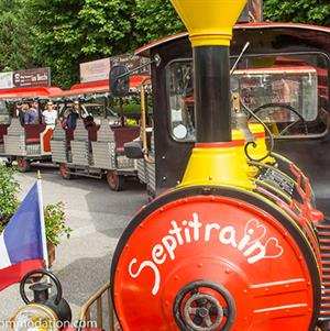 Take a tour around Samoens on the Septi Train.