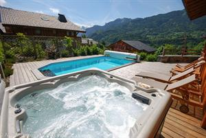 Chalet Chanta Polet with private swimming pool