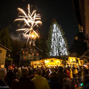 Christmas celebrations and fireworks in Samoens village
