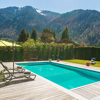 Our selection of chalets and apartments with swimming pools in Samoens and Morillon